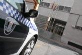 La Polic�a Local evita que un individuo se arrojara al vac�o desde el voladizo del tejado