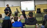 Policía Local forma a escolares sobre los riesgos del uso de internet y las redes sociales