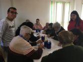 Taller intergeneracional entre alumnos del Instituto de Pliego y personas mayores del municipio