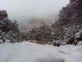 Las primeras nieves del invierno llegan a las cotas más altas del parque regional de Sierra Espuña