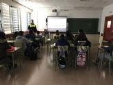Agentes de Policía Local imparten charlas en los institutos sobre los riesgos de las redes sociales