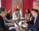 La Alcaldesa y la directora general de Comercio se reúnen con asociaciones empresariales del municipio