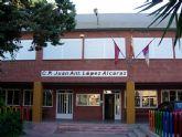 La Comunidad Autónoma invertirá más de 24.000 euros en obras de acondicionamiento en el patio del colegio Juan Antonio López Alcaraz
