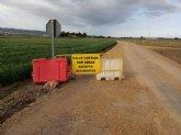 Comienzan las obras de arreglo de los caminos rurales de La Barquilla y desde la carretera de Mazarr�n hasta el paraje de la Casa del Trini