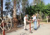 El Ayuntamiento instala una zona de juegos biosaludables en el parque público Augusto Vels