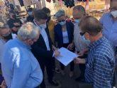 El mercadillo de El Palmar abre al público en su nueva ubicación dando cumplimiento a una reivindicación histórica de los vecinos