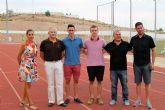 El director general de Deportes tiene un encuentro con los dos atletas de la Sociedad Atlética Nutribán