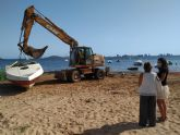 The Community begins the removal of 18 abandoned pleasure boats in the vicinity of the Mar Menor