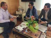 El alcalde y responsables de D�Genes se re�nen para abordar proyectos de colaboraci�n institucional que favorezcan al colectivo