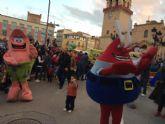 """Los personajes de la televisión y el cine protagonizaron el pasacalles """"Nos vamos a la Feria"""", de la plaza de la Constitución al recinto ferial"""