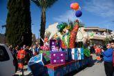 18 grupos participan este domingo en el desfile de carrozas