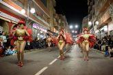 Salsal� gana el desfile de carnaval de peñas locales