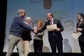 El presidente de la Comunidad clausura en Alcantarilla el acto de reconocimiento a la labor de los docentes jubilados en 2016