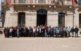 Manifiesto por la igualdad en la plaza del ayuntamiento de Mazarr�n