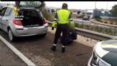 La Guardia Civil detiene a un conductor con cerca un kilo y medio de polen de hachís oculto en el vehículo