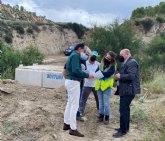 El alcalde visita las obras de la rambla de El Cárcabo