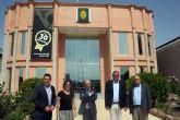 El consejero de Hacienda y el alcalde visitan la empresa de seguridad y centro de formación Vigilant