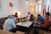 La alcaldesa recibe al ajedrecista Aaron Alonso en el Palacio Consistorial