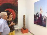 La bailaora Blanca del Rey visita la exposición fotográfica de 'El desplante'