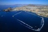 Las motos de agua se exhiben en la Bahía de Mazarrón