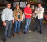 Autoridades municipales visitan la empresa de venta de suministros agrícolas Agrotaw Murcia, SL