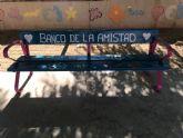 Bancos de la amistad en el colegio Fontes