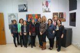 La asociación 'Isabel González' inaugura la muestra de su taller de pintura por el 8 de marzo