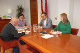 El Gobierno local traslada al consejero de Salud la necesidad del cambio de urgencias