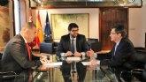 López Miras anuncia una enmienda de 4 millones de euros a los PGE para abaratar el precio del agua desalada