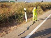 El Ayuntamiento repara las grietas en diversas carreteras de Alhama