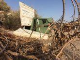 El servicio de recogida de enseres y restos vegetales se presta de manera gratuita y requiere de la petición de cita previa para dar aviso