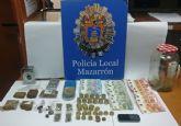 La Polic�a Local de Mazarr�n detiene a un individuo por tr�fico de drogas