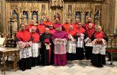 El Cabildo de la Catedral se refuerza con 14 can�nigos m�s