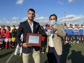 El campo de fútbol de Javalí Nuevo luce desde hoy el nombre del futbolista Rafa Mir