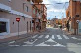 La señalización horizontal de la avenida Reyes Católicos, renovada para reforzar la seguridad vial