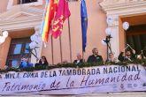 El presidente de la Comunidad participa en la tamborada para celebrar la declaración como Patrimonio Cultural Inmaterial de la Humanidad
