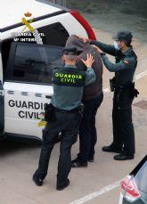 La Guardia Civil detiene a un experimentado delincuente relacionado con  una veintena de estafas en el Levante español