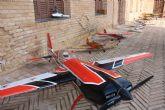 Decenas de personas disfrutan de la exposición estática del Club de Aeromodelismo Mar menor