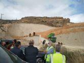 Los trabajos de sellado del vertedero de Abanilla continúan a buen ritmo y terminarán a finales del próximo mes de mayo