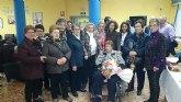 Homenaje a la mujer más longeva en la residencia La Purísima