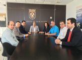 Comunidad, Ayuntamiento y taxistas de San Javier trabajan en la potenciación del sector del taxi en el municipio