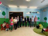La Comunidad y Ecovidrio entregan a Abanilla el premio de la campana 'Los Peque Recicladores'