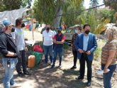 El alcalde visita al equipo de rodaje de la serie