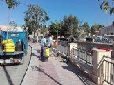 Replantan nuevo arbolado en los espacios vacíos de la avenida Rambla de La Santa