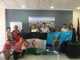 El Alcalde recibe a los siete niños saharauis acogidos durante el verano por familias del municipio