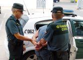 La Guardia Civil detiene a dos jóvenes por atracar una persona a la salida de un salón de juegos recreativos de Torre Pacheco