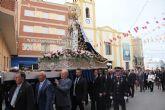 Cientos de lumbrerenses acompañan a la Virgen del Rosario en la procesión