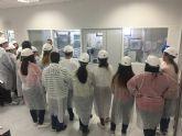 Escolares de Alcantarilla conocen sobre el terreno cómo trabaja Derivados Químicos