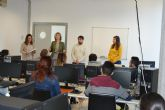 Doce jóvenes inician un curso gratuito de Inglés B1