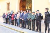 Minuto de silencio en la puerta del Ayuntamiento de Jumilla por el 1M